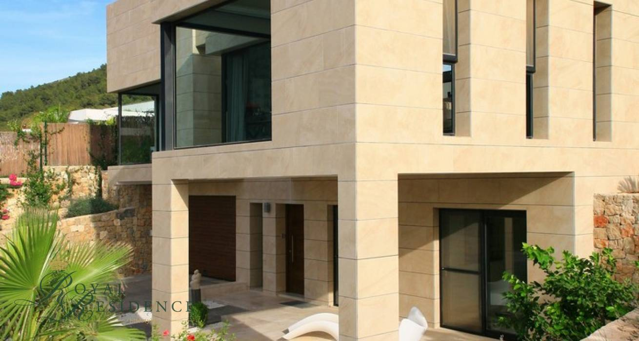 Key ready modern style Villa in Javea