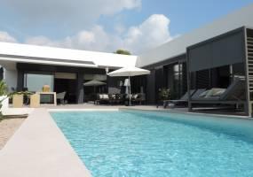 Recently built modern villa in Calpe