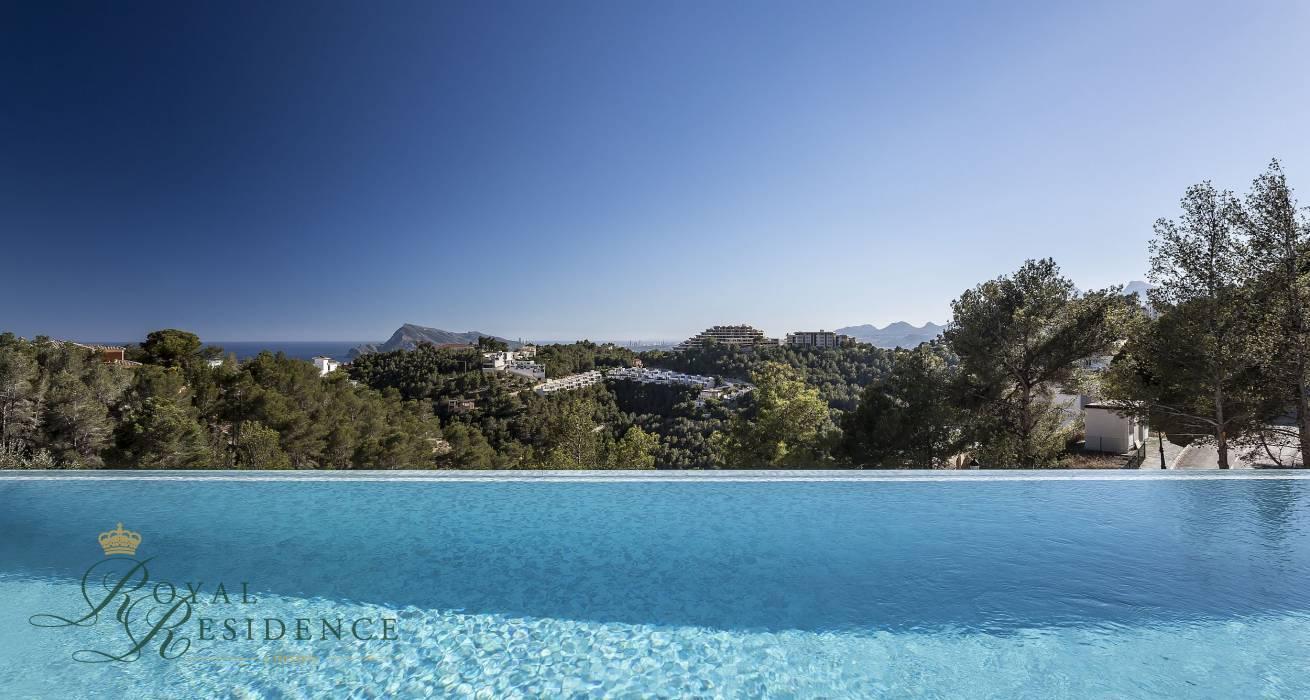 Altea, Costa Blanca, Spain, 4 Bedrooms Bedrooms, ,3 BathroomsBathrooms,Villa,Sale,1002
