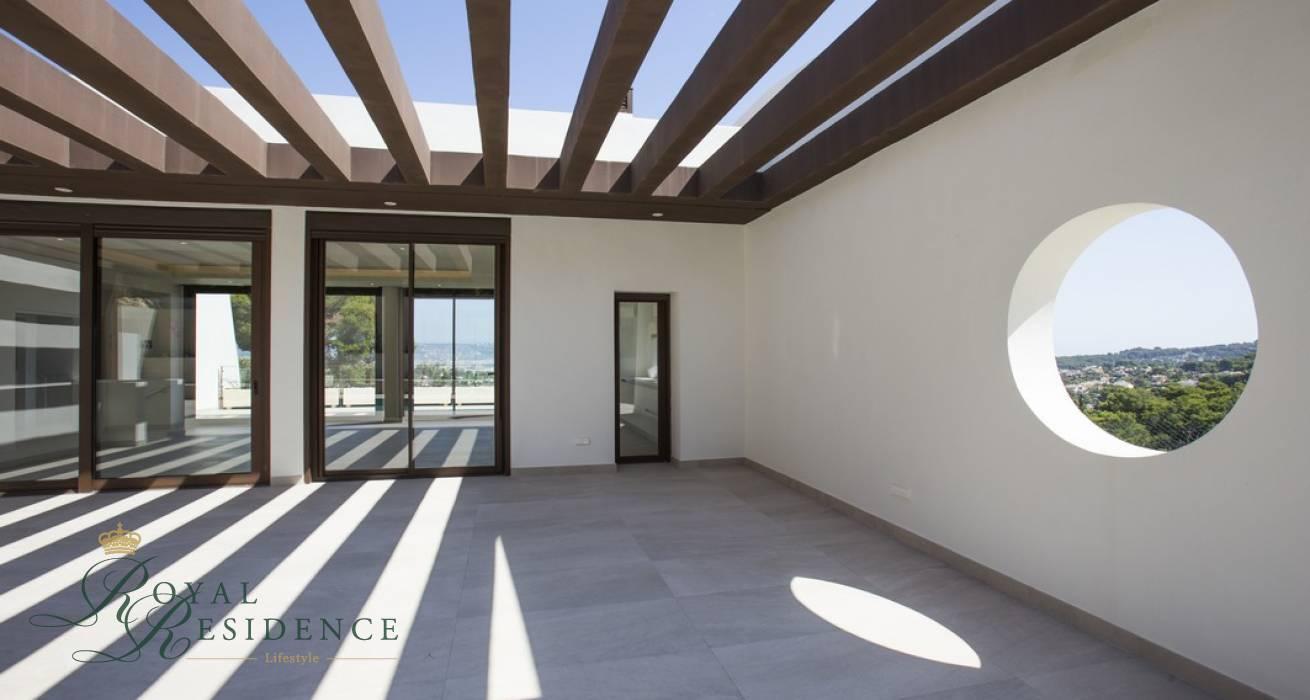 Key ready villa with panoramic coastal views in Javea