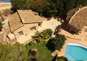 Beautiful finca style villa in Moraira