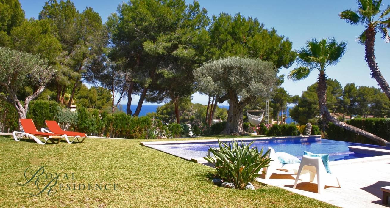 Villa with sea view and 500m from the beach in Moraira