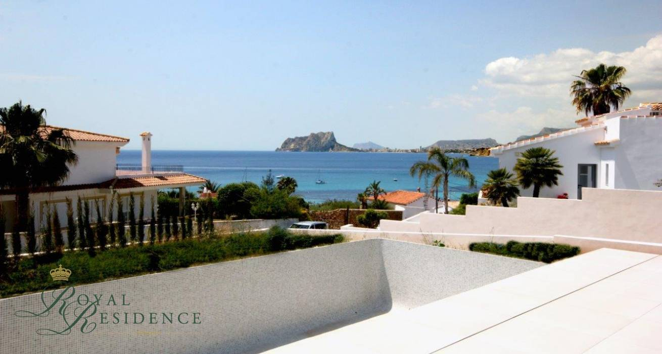 Designer vill in Moraira with sea views