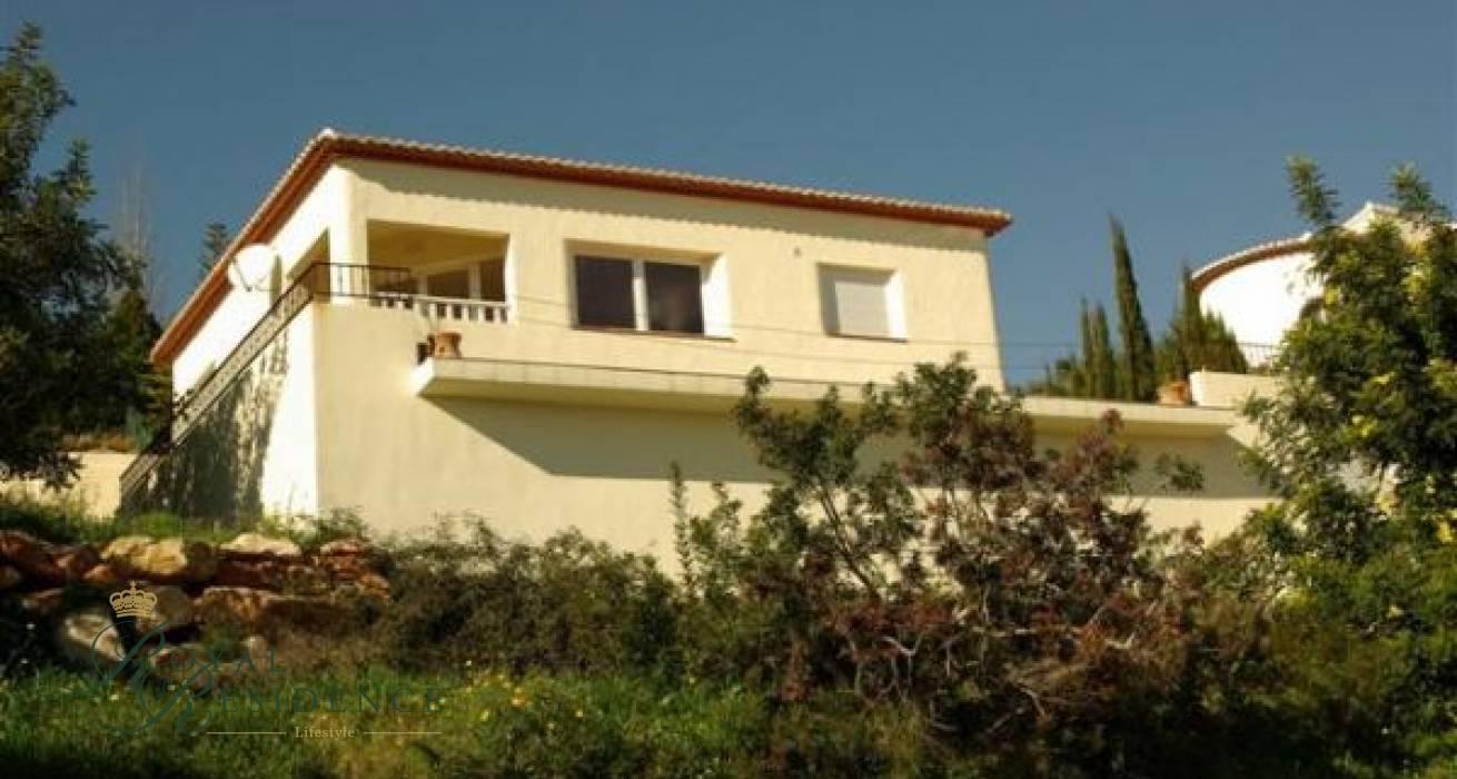 Mediterranean style villa in Benitachell with sea views.