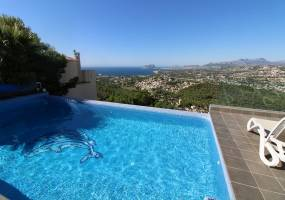 Renovated Mediterranean style villa with sea views in Benitachell