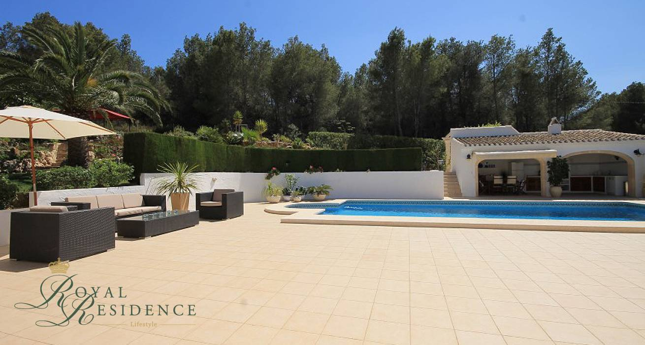 Villa renovated to a high degree in Javea