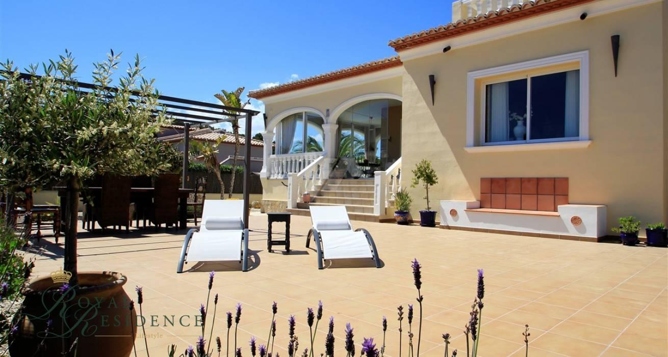 Immaculate villa in Moraira