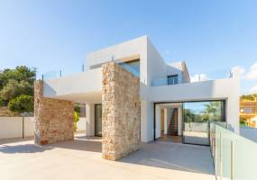 Modern villa almost ready in Benissa
