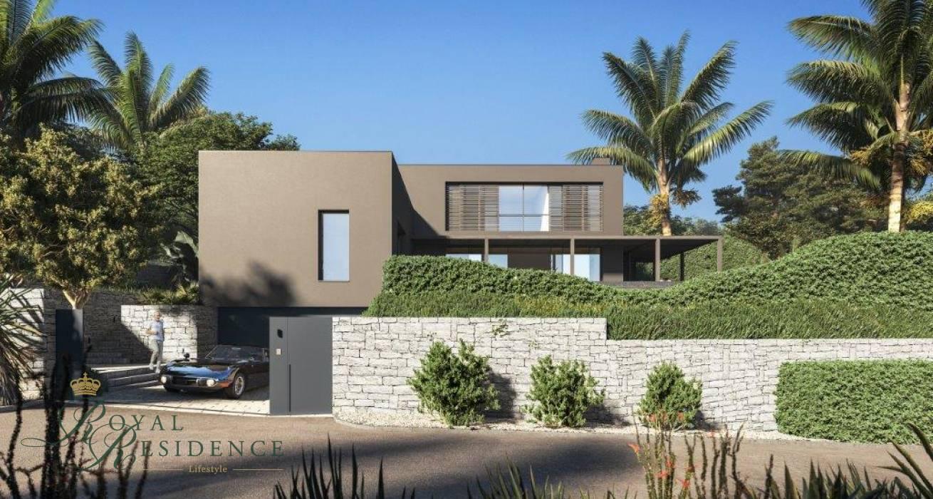 Luxury villa under construction in Moraira