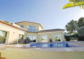 Modern family home in Javea