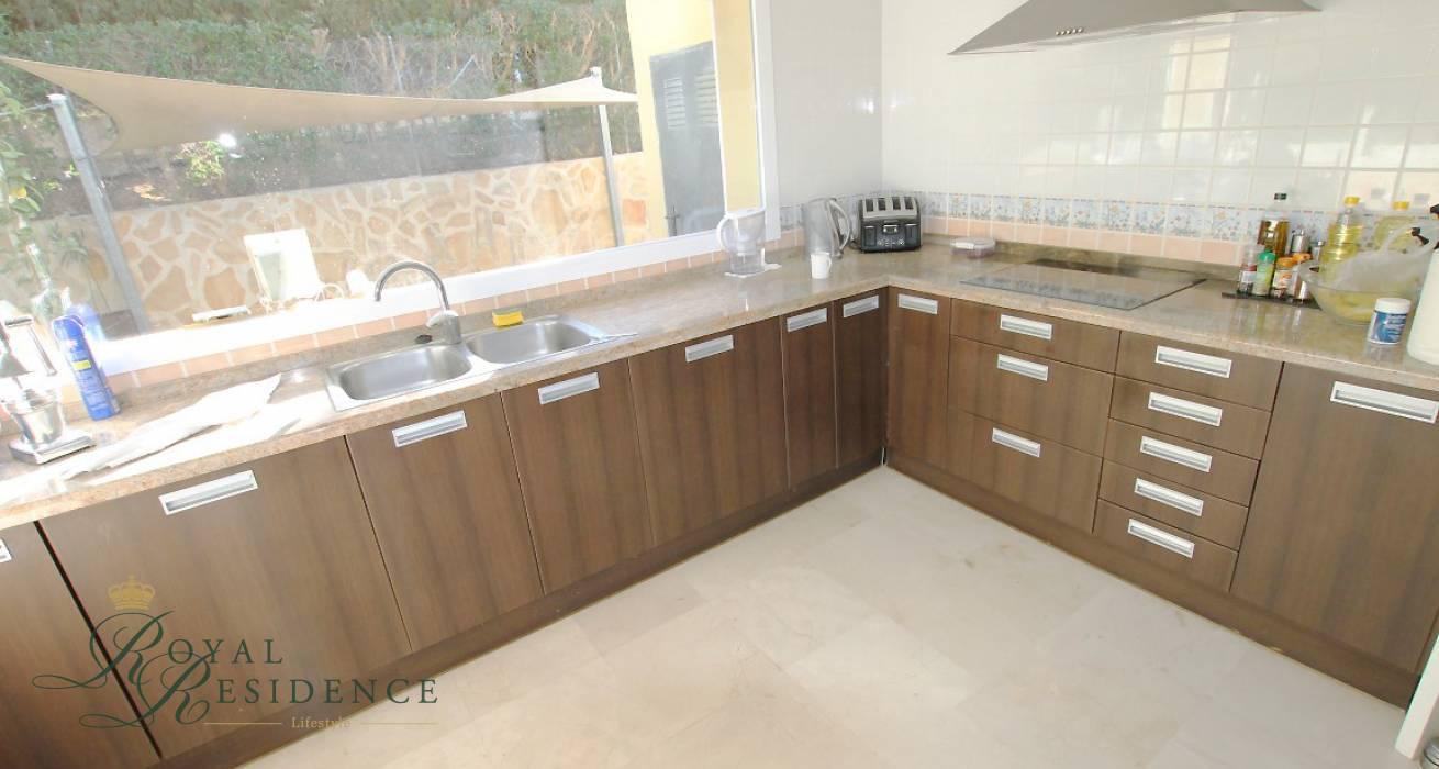 Modern family home in Javea