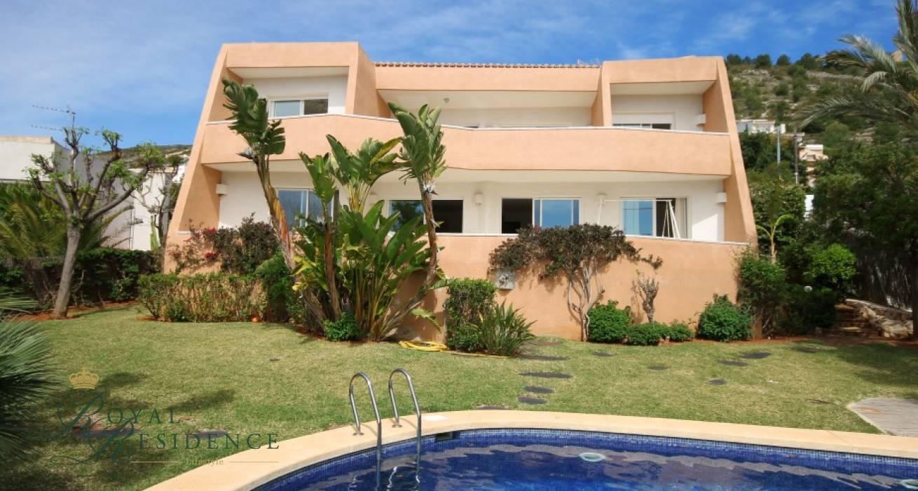 Designer villa with panoramic views in Javea