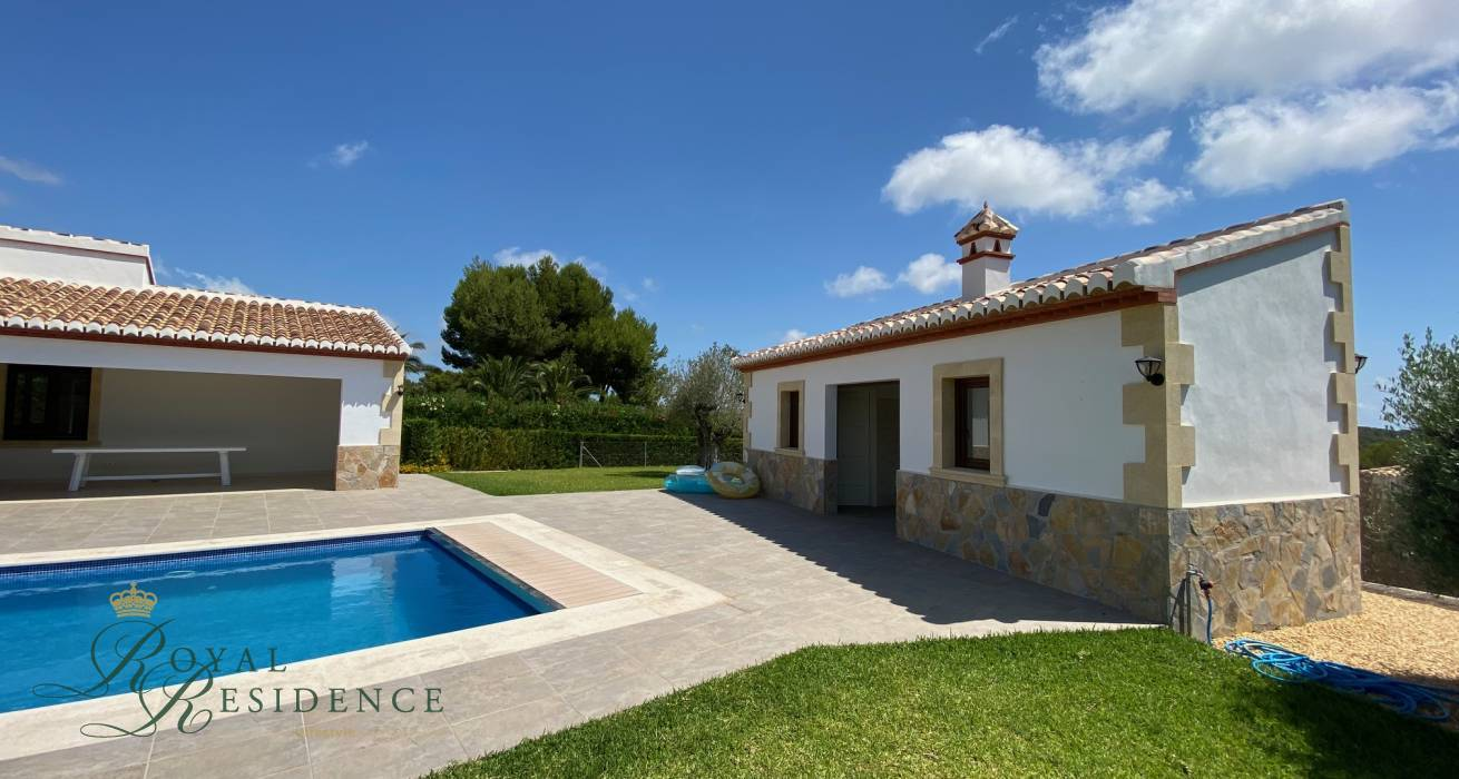 Key ready traditional style villa in Javea
